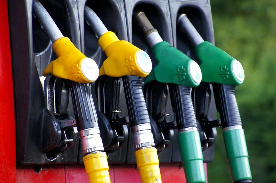Paliwa ze wschodu w naszych samochodach – co warto wiedzieć?